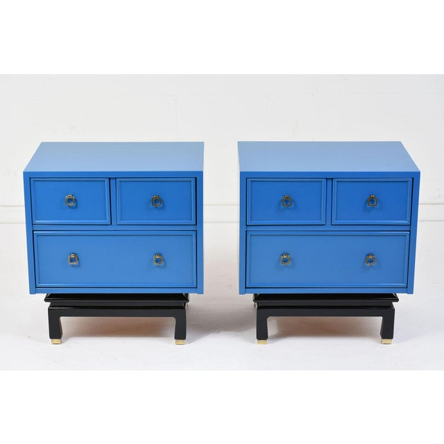 Mid-Century Modern Pair of Mid-Century Modern-Style Chest of Drawers by American of Martinsville For Sale - Image 3 of 11