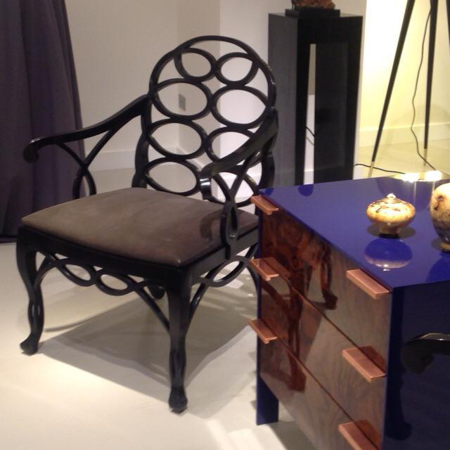 """Truex American Furniture """"Loop Chair"""" Ebony Leather - Image 3 of 4"""