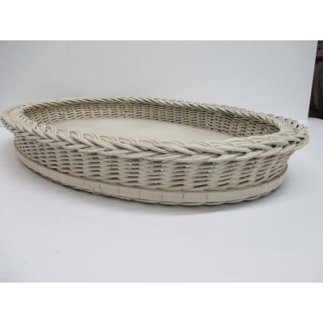 Vintage Country Breakfast Oval Serving Tray in White Painted Wood and Wicker Borders Artisanal Size: 19 x 13 x 2.5