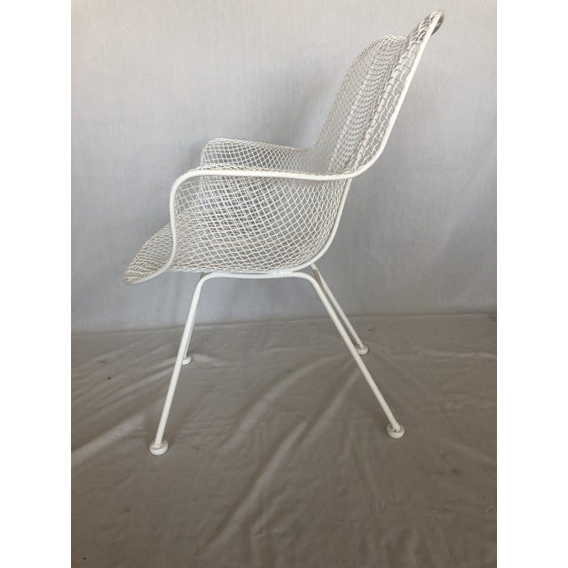 Metal 1960s Vintage White Sculptura Russell Woodard Patio Chairs- A Pair For Sale - Image 7 of 13