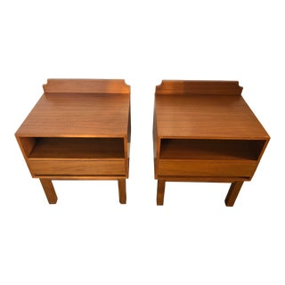 Vintage Mid Century Modern Danish Style Nightstands (A Pair) For Sale