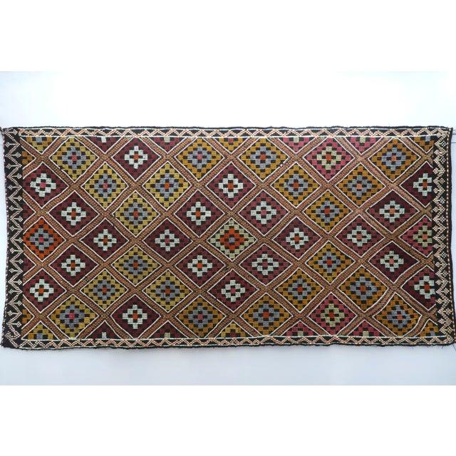 Vintage Turkish Antalya Embroidered Kilim Rug- 4′8″ × 9′7″ For Sale - Image 13 of 13
