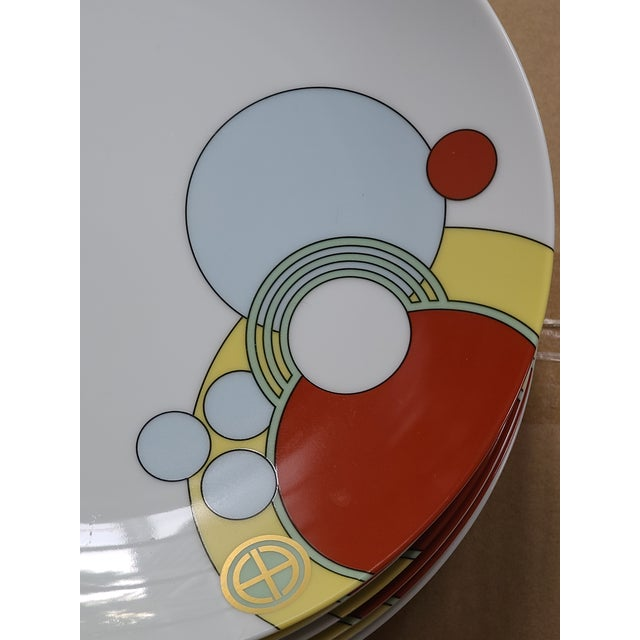 White 1980s Frank Lloyd Wright Art Deco Imperial Hotel Design Porcelain Dishes 7-Piece Place Setting For Sale - Image 8 of 9