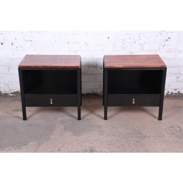 John Stuart for Mount Airy Mid-Century Modern Rosewood and Ebonized Wood Nightstands, Pair For Sale - Image 13 of 13
