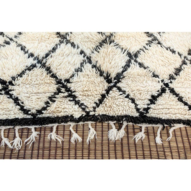 Vintage Midcentury Beni Ouarain Moroccan African Rug For Sale - Image 4 of 10