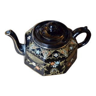 English Chinoiserie Painted Black Ground Teapot For Sale
