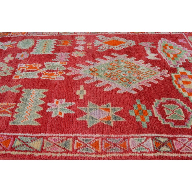 Vintage Moroccan Rug - 8'4'' X 4'10'' For Sale In New York - Image 6 of 7