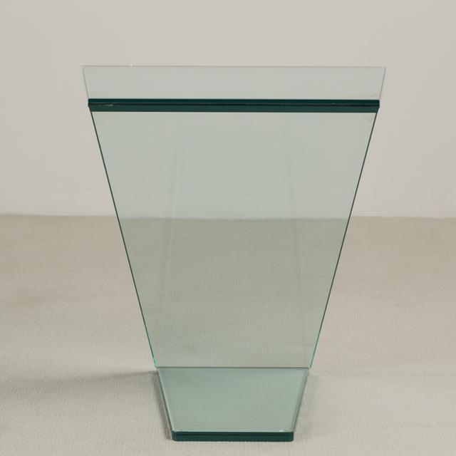 Mid-Century Modern Cantilevered Sculptural Glass Side Table For Sale - Image 3 of 6