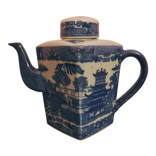 Vintage Anglo-Chinese Tea Pot From Hong Kong For Sale