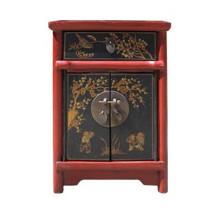 Chinese Rustic Red Black Lacquer Graphic End Table Nightstand For Sale
