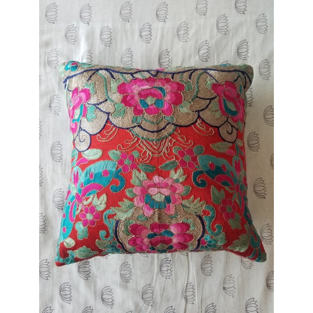 Anglo-Indian Silk Embroidered Tapestry Cushions With Ikat Backs For Sale In New York - Image 6 of 13