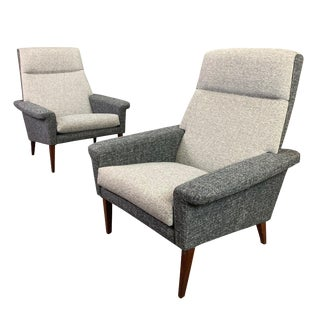 1960s Vintage Danish Mid Century Modern Lounge Chairs- A Pair For Sale