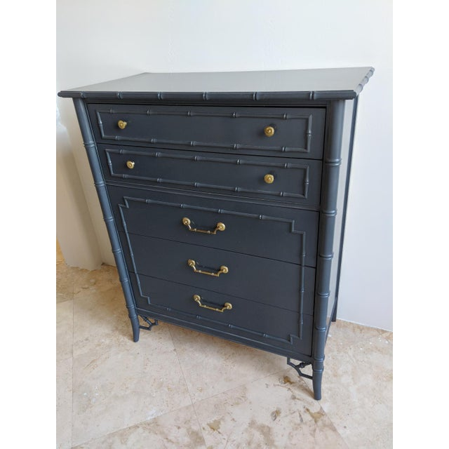 1970s Chinoiserie Thomasville Allegro Faux Bamboo High Gloss Gray 5 Drawer Highboy For Sale - Image 9 of 9