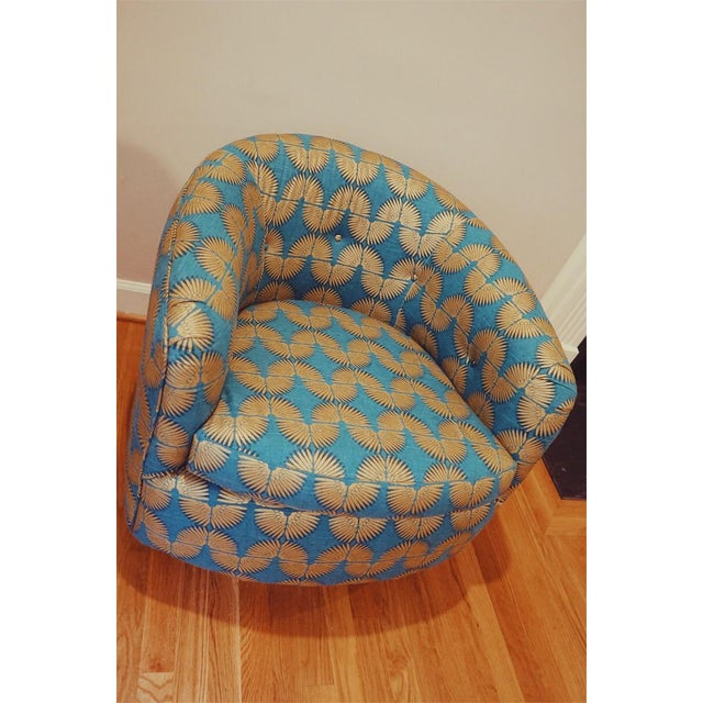 Contemporary Gold Caterpillar Mid-Century Baughman Style Plinth Base Swivel Chair For Sale - Image 3 of 8
