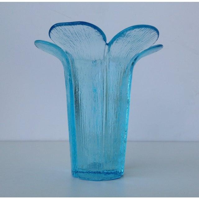 Fenton Mid-Century Blue Tall Glass Petal Vase For Sale - Image 10 of 10