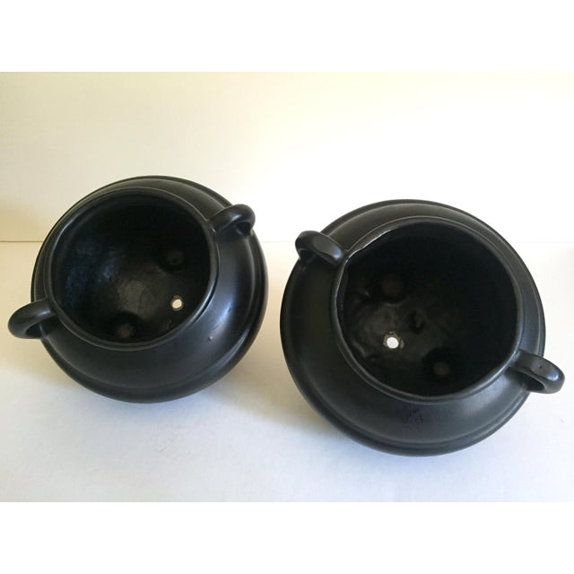 1920's Art Deco Robinson Ransbottom Art Pottery Black Ceramic Jardinier Handled Planter Urns - a Pair For Sale - Image 11 of 13