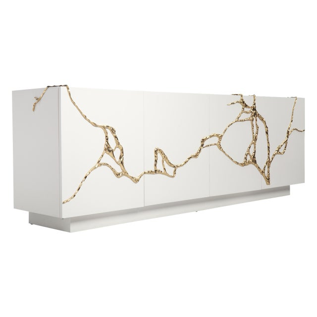 Akar 4-Door Credenza in White Lacquered Resin & Lava Brass by Sylvan Sf For Sale