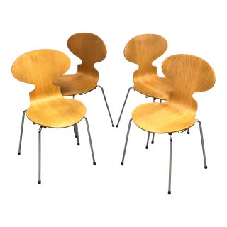 1980s Authentic Danish Modern Ant Chairs by Arne Jacobsen for Fritz Hansen - Set of 4 For Sale