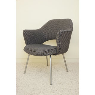 1960s Vintage Saarinen Executive Arm Chair by Knoll Preview