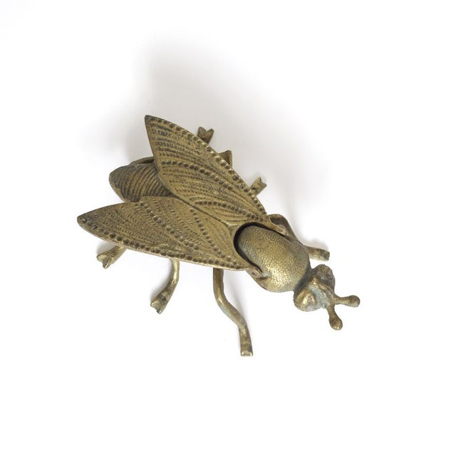 This adorable little fly box is perfect for some little Knickknacks!