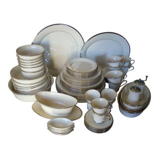 Lenox Solitaire Dinnerware - Service for 6 For Sale