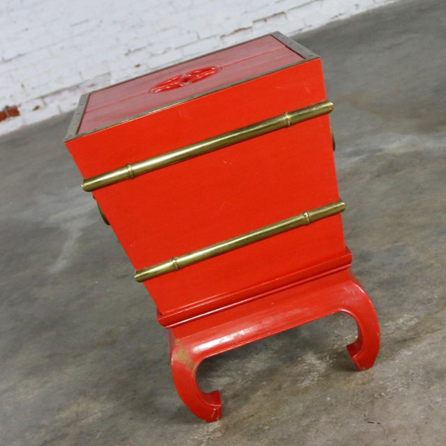 Mid 20th Century Chinese Red Lacquer and Brass Accent Table Removable Ice Chest Style on Hoof Foot Base For Sale - Image 5 of 13