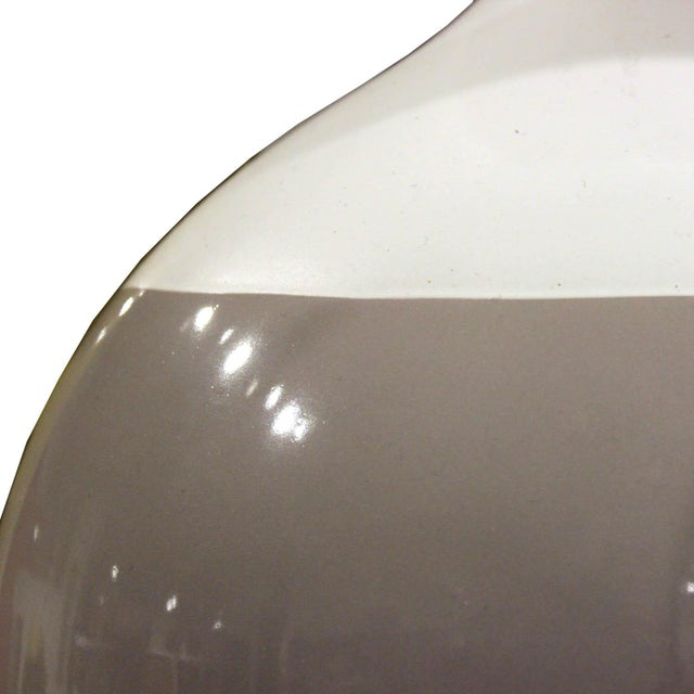 Contemporary Contemporary Gray & White Ceramic Vase For Sale - Image 3 of 4