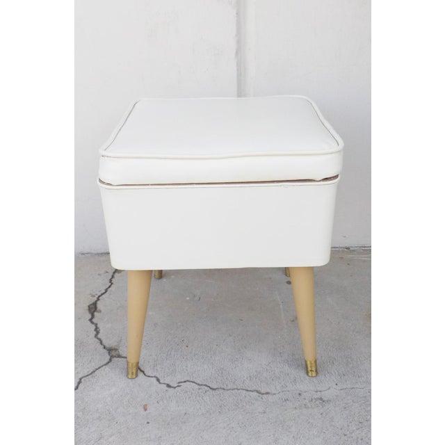 Mid-Century Modern White Leatherette Storage Stool - Image 3 of 7
