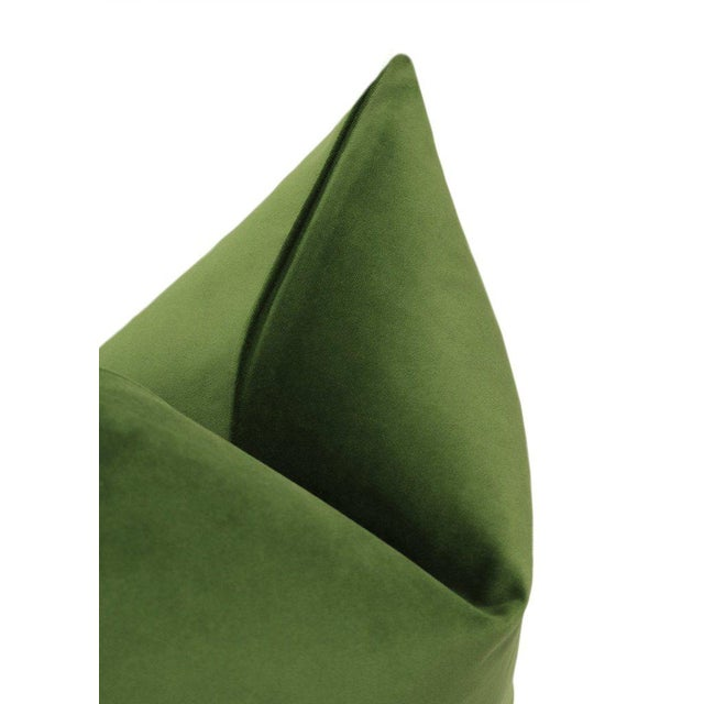 """22"""" Peridot Velvet Pillows - a Pair For Sale - Image 4 of 5"""