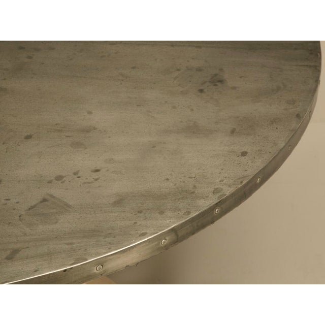 "Country Amazing French 55"" Round Zinc Topped Dining Table w/Painted Base For Sale - Image 3 of 10"