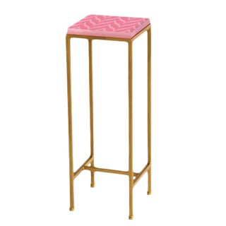 Contemporary Ellsworth Acrylic Drinks Table – Base: Gold, Top: Bargello Pink/Lavender For Sale