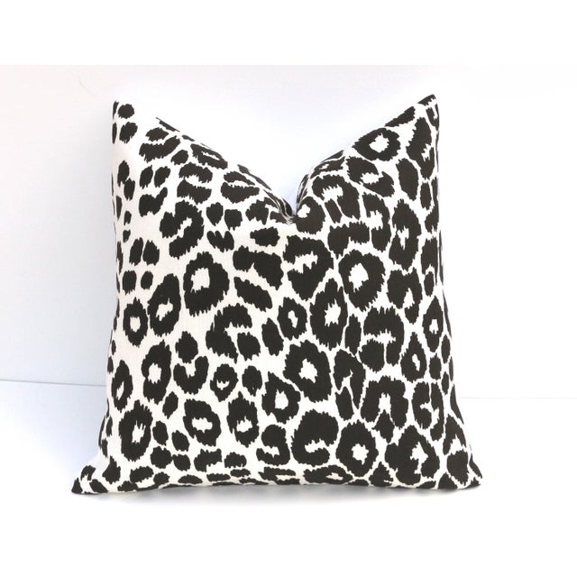 "Hollywood Regency Art Deco Schumacher Iconic White and Black Leopard Pillow - 18"" X 18"" For Sale - Image 3 of 3"