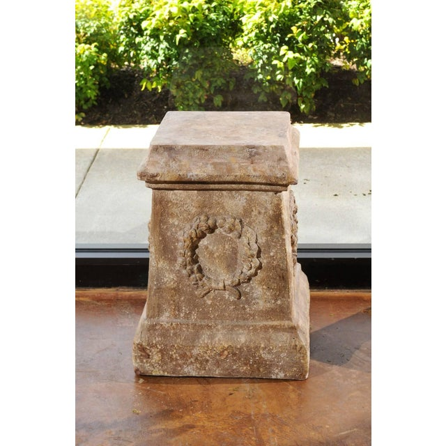 Pair of Vintage Continental Faux Stone Garden Plinths with Wreath Motifs, 1960s For Sale In Atlanta - Image 6 of 12