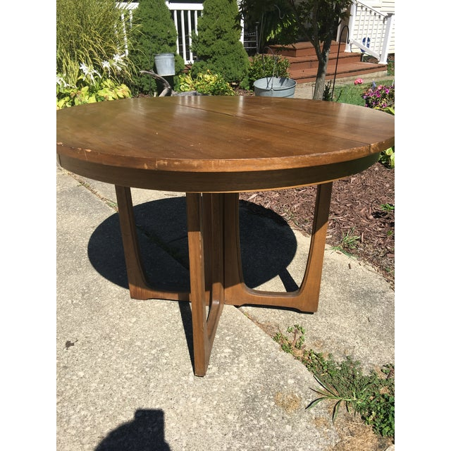 Broyhill Emphasis Mid Century Dining Room Table For Sale - Image 10 of 12