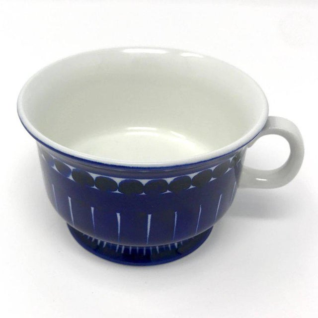 1960s Scandinavian Modern Ulla Procope for Arabia of Finland Valencia Cup and Saucer - 2 Pieces For Sale In Sacramento - Image 6 of 13