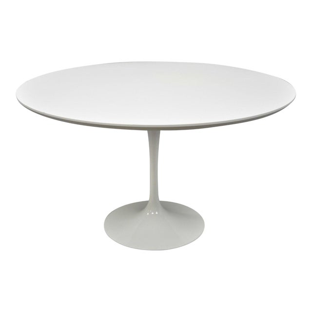 "Contemporary Modern White Saarinen Style Tulip Base 47"" Round Dining Table For Sale"