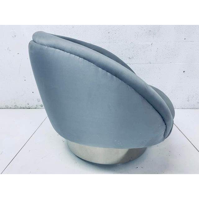 """Pair of Vladimir Kagan """"Crescent"""" Swivel Club Chairs For Sale In Miami - Image 6 of 12"""