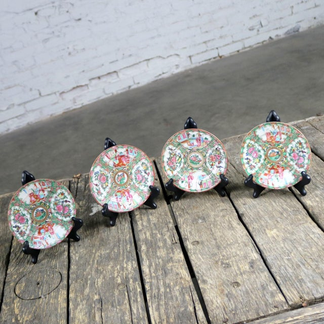 Antique Chinese Qing Rose Medallion Porcelain 6 Inch Plates Set of 4 For Sale - Image 4 of 13