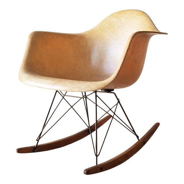 1960s Eames RAR Rocking Chair in Ochre Light for Herman Miller For Sale