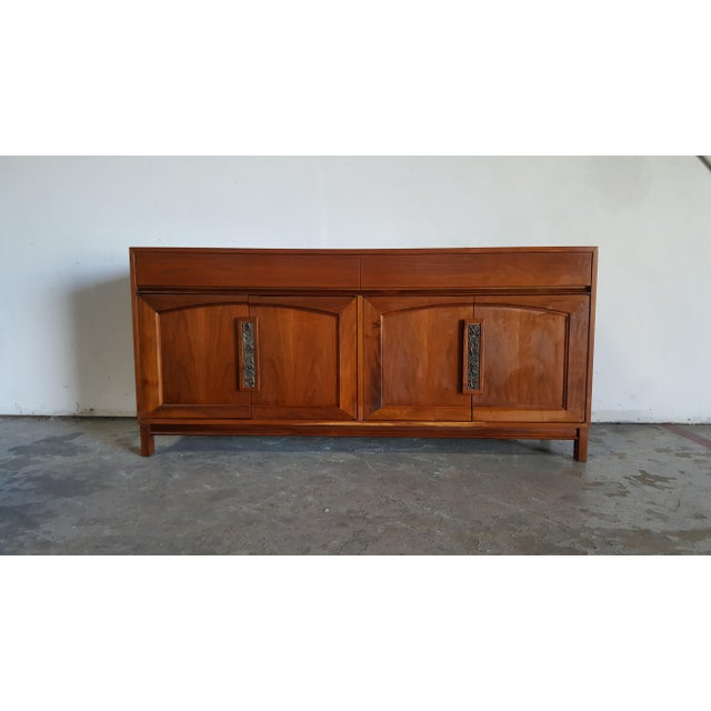 1960s Mid Century Modern John Keal for Brown Saltman Walnut Credenza For Sale - Image 13 of 13