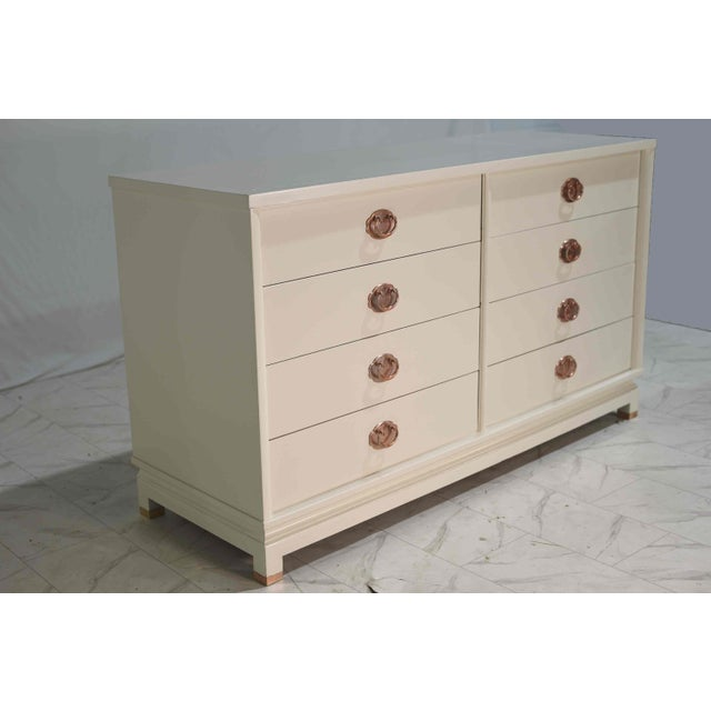 Mid-Century Modern 1960s American of Martinsville Eight Drawer Dresser With Rose Gold Hardware For Sale - Image 3 of 12