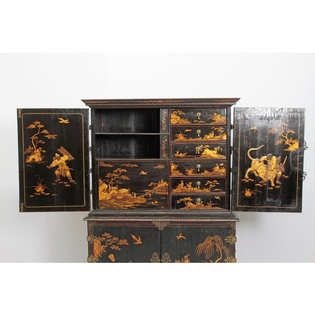 Gold Queen Anne Collectors Cabinet / Japanned For Sale - Image 8 of 13