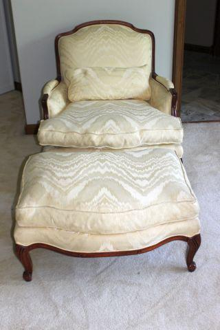 Ordinaire Fabric French Style Oversized Cream/White Bergere Chair With Ottoman For  Sale   Image 7