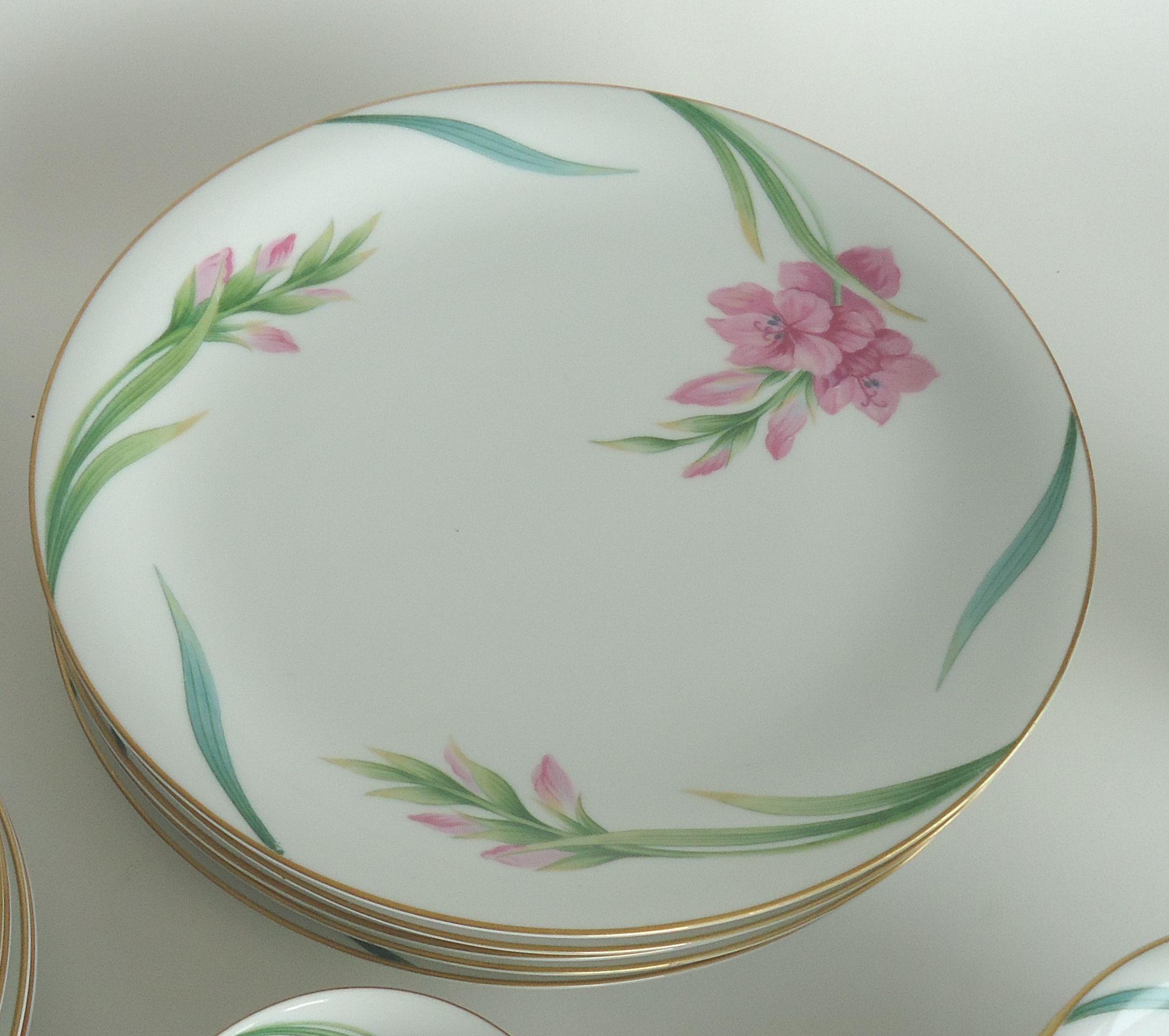 Noritake Gladiola Flowers Dinnerware - Set of 55 - Image 3 of 6 & Noritake Gladiola Flowers Dinnerware - Set of 55 | Chairish