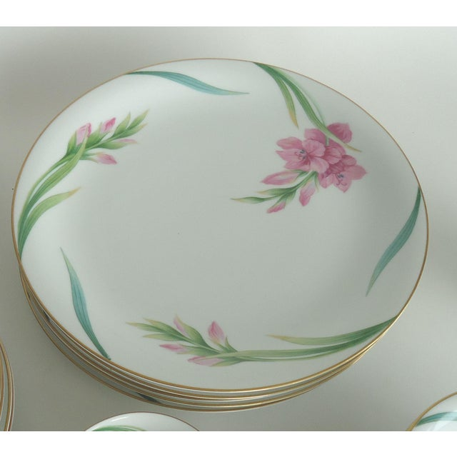 Traditional Noritake Gladiola Flowers Dinnerware - Set of 55 For Sale - Image 3 of 6