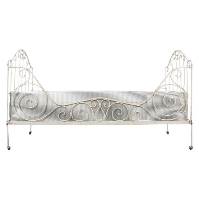 French 19th Century Crème-Painted Iron Daybed For Sale - Image 9 of 9