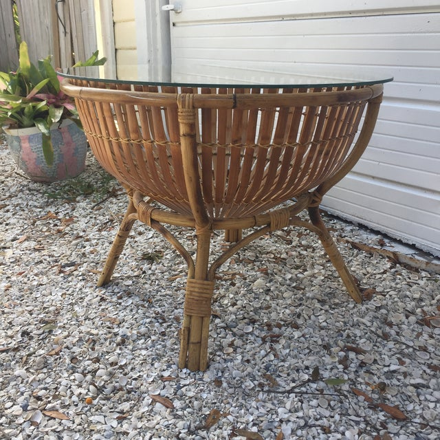 Vintage Rattan Fish Basket Coffee / Side Table - Image 5 of 6