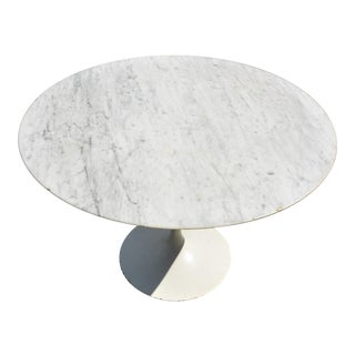 Eero Saarinen Knoll Tulip Round Carrara Marble Dining Table