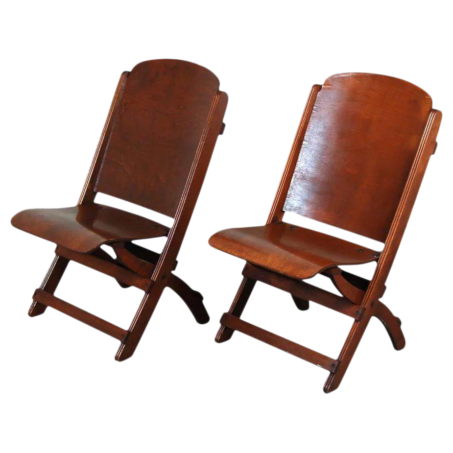 Merveilleux Vintage Wooden Folding Chairs   A Pair