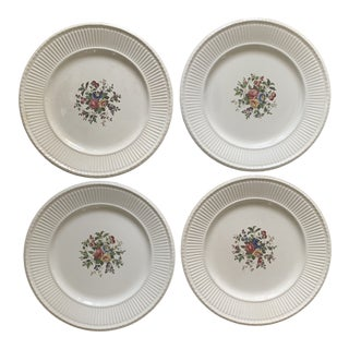 1920s Wedgwood Conway Dinner Plates - Set of 4 For Sale